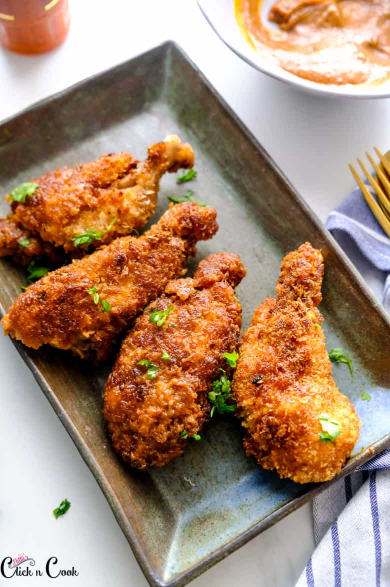 chicken wings recipe is served in grey tray